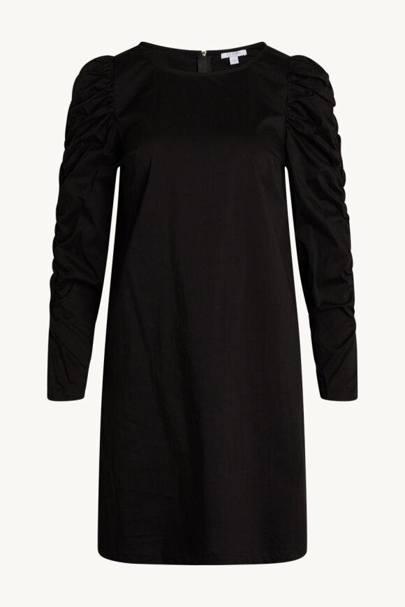Claire - Djennie - Dress